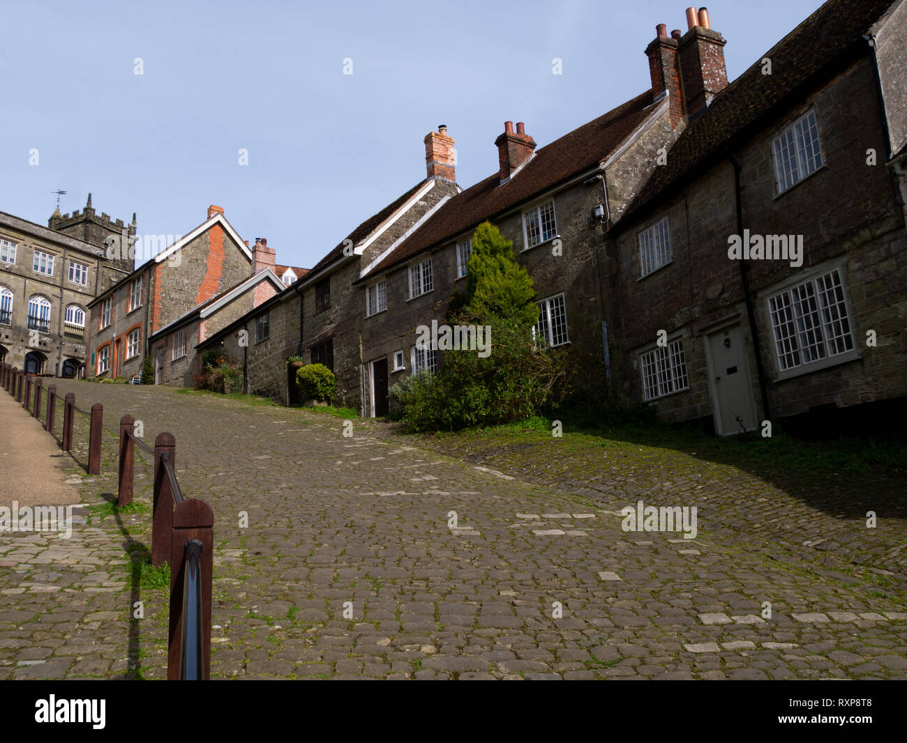 Gold hill ('Hovis' hill), Shaftesbury, Dorset, UK - Stock Image