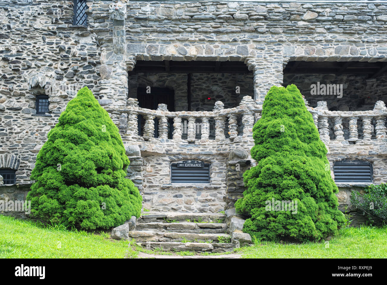 The landmark Gillette Castle exterior and lawn in East Haddam Connecticut. - Stock Image