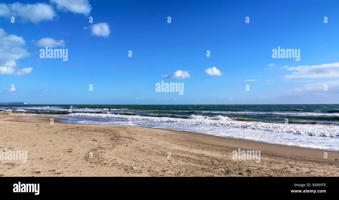 Bournemouth, Dorset, UK. 10th March 2019. Large waves crash on Bournemouth beach as the strong winds continue across the UK. Credit: Thomas Faull/Alamy Live News Stock Photo