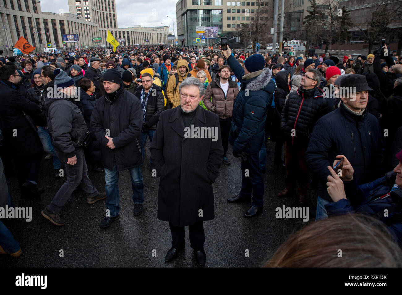 Moscow, Russia. 10th Mar 2019. Politician Grigory Yavlinsky,leader of the social-liberal Yabloko party, takes part in a rally against the isolation of the Russian internet in Sakharova Avenue in Moscow Credit: Nikolay Vinokurov/Alamy Live News - Stock Image