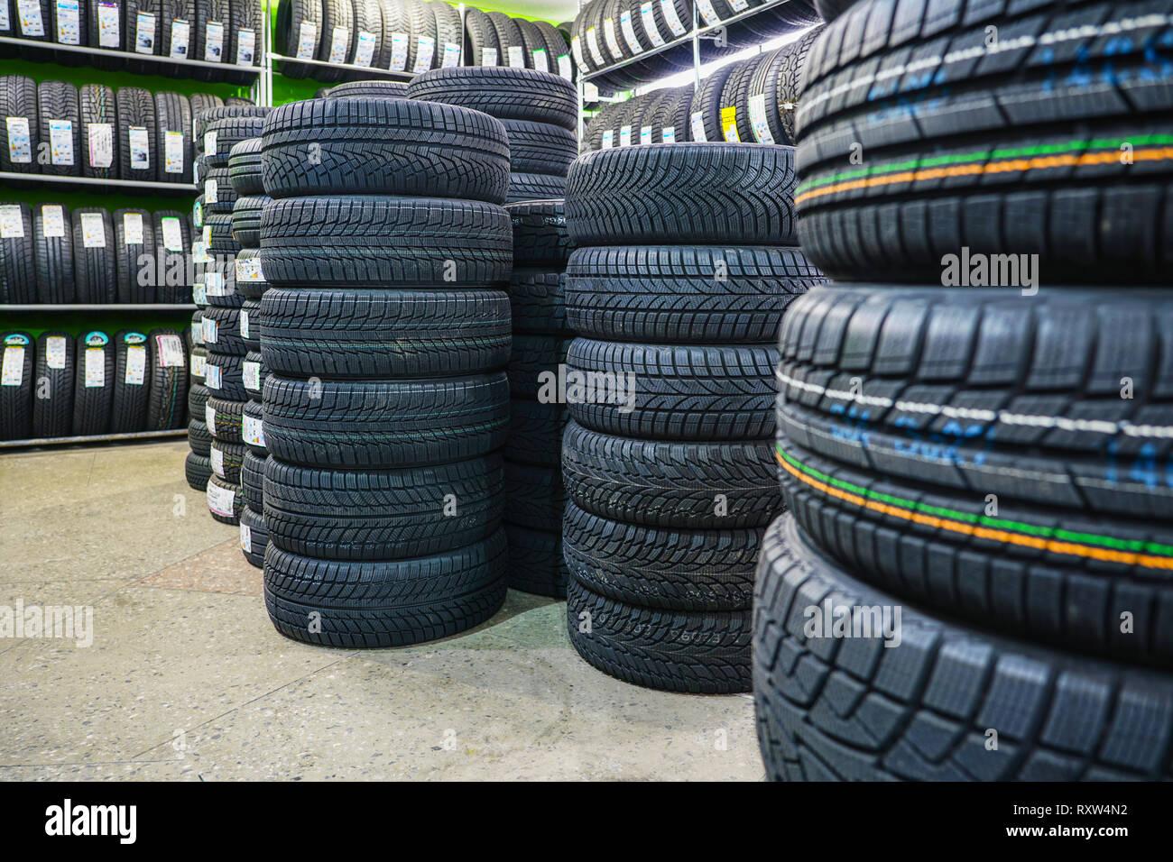 Car Tyres Rack Stock Photos & Car Tyres Rack Stock Images - Alamy