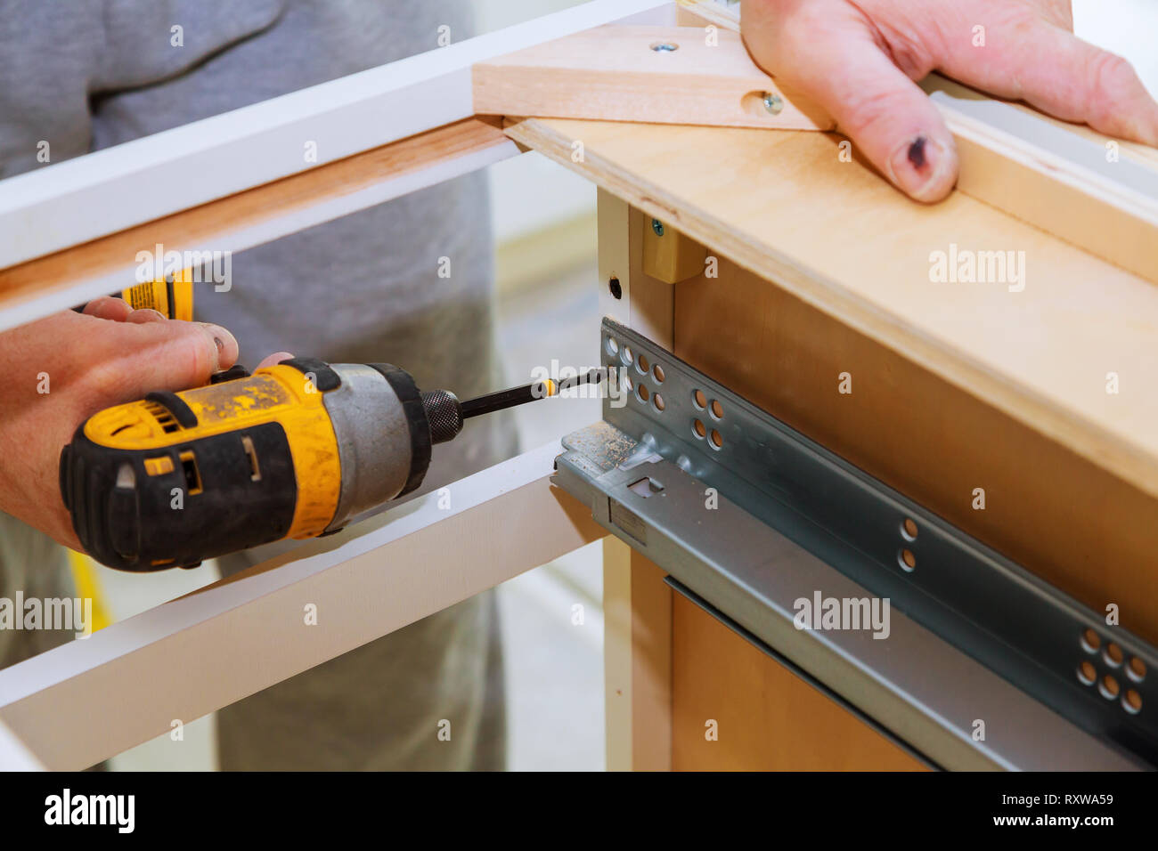 Hinge Assembly On Kitchen Cabinet Drawers Carpenter With