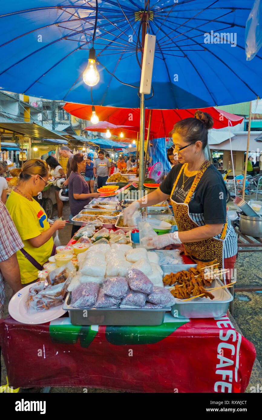 Street food market, night market, Trat, Thailand - Stock Image