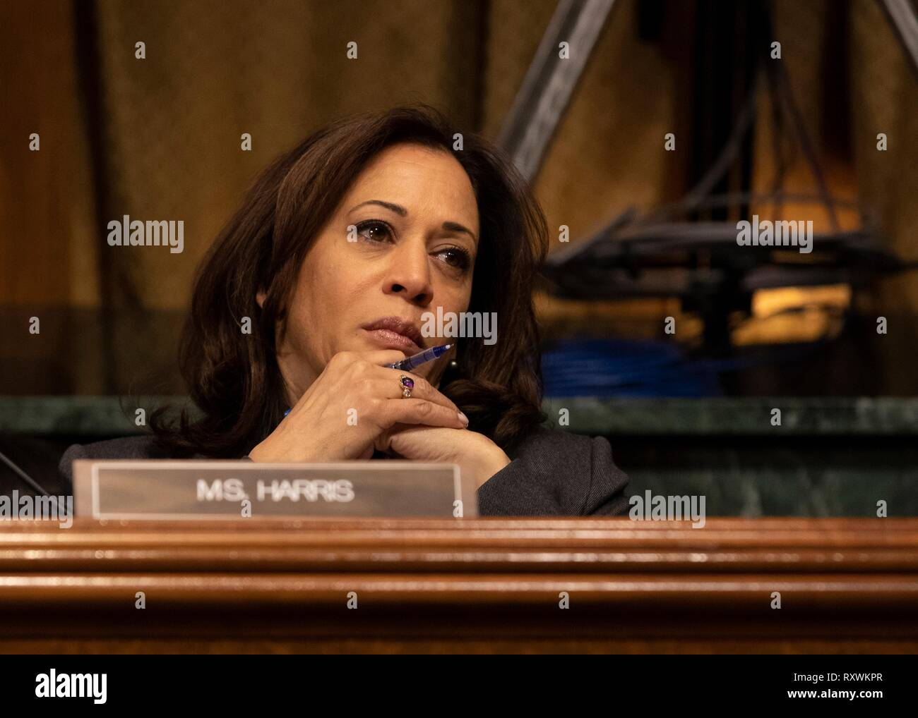 U.S. Senator Kamala Harris of California, questions Customs and Border Protection Commissioner Kevin McAleenan during a hearing at the Senate Judiciary Committee on Capitol Hill March 5, 2019 in Washington, D.C. The hearing was on the Oversight of Customs and Border Protection Response to the Smuggling of Persons at the Southern Border. - Stock Image