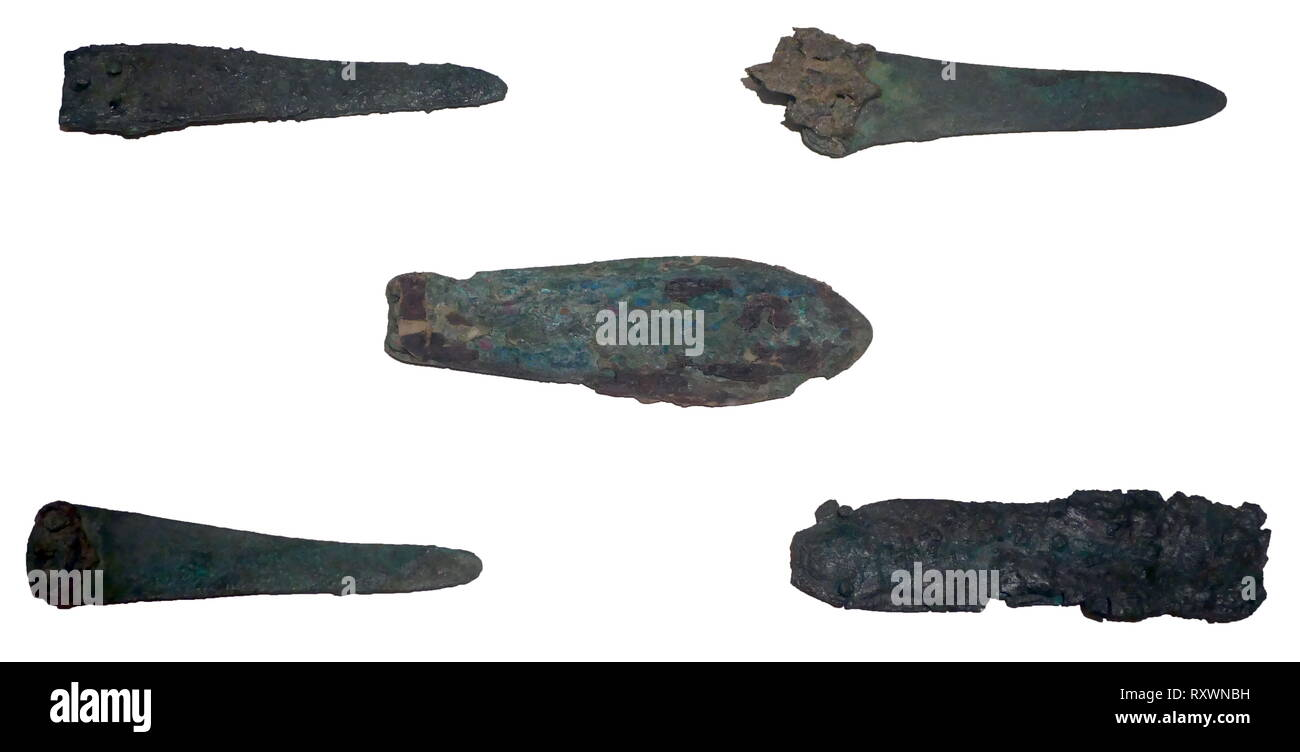 Bronze daggers from Akrotiri, a Minoan Bronze Age settlement on the volcanic Greek island of Santorini (Thera). The Greeks arrived in Crete during the Mycenaean Period, later than Akrotiri. The settlement was destroyed in the Theran eruption sometime in the 16th century BC and buried in volcanic ash - Stock Image