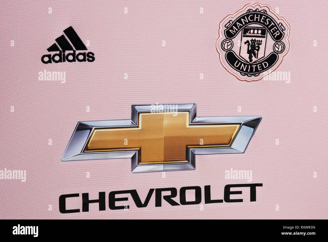 online store b9273 18a14 Manchester United Pink Away Jersey Stock Photos & Manchester ...