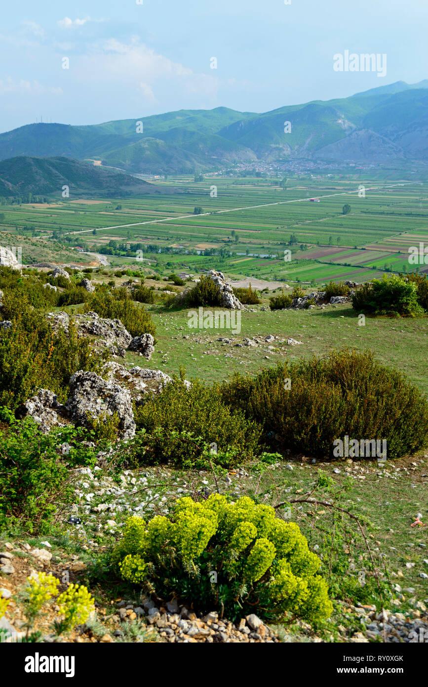 Landscape near Korca, Albania, Korça Landschaft bei Korca, Albanien, Korça - Stock Image