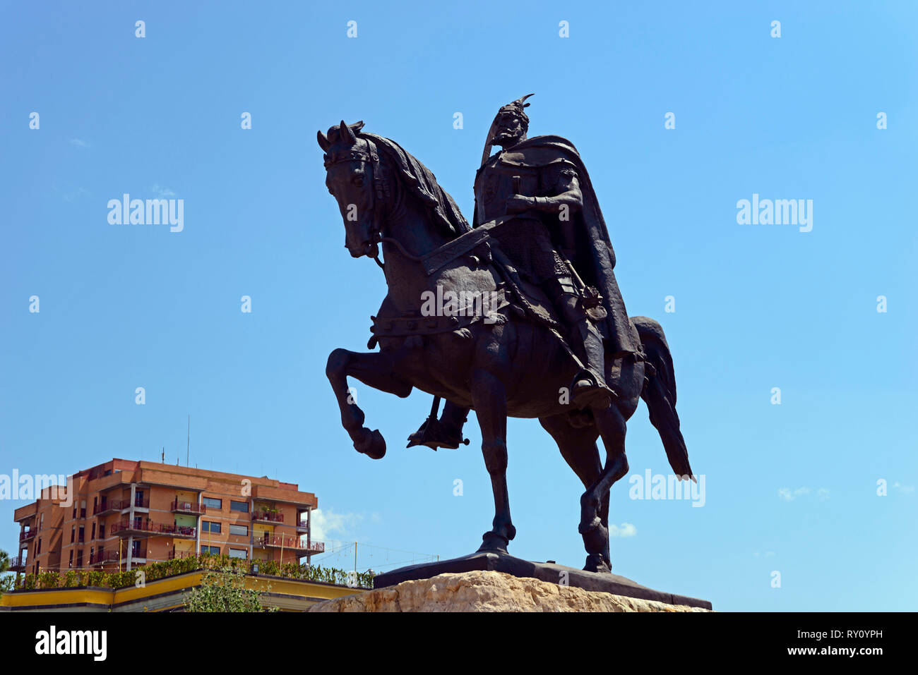 Skanderbeg monument, equestrian statue Skenderbej, Albanian national hero Skanderbeg, Skanderbeg Square, Tirana, Albania - Stock Image