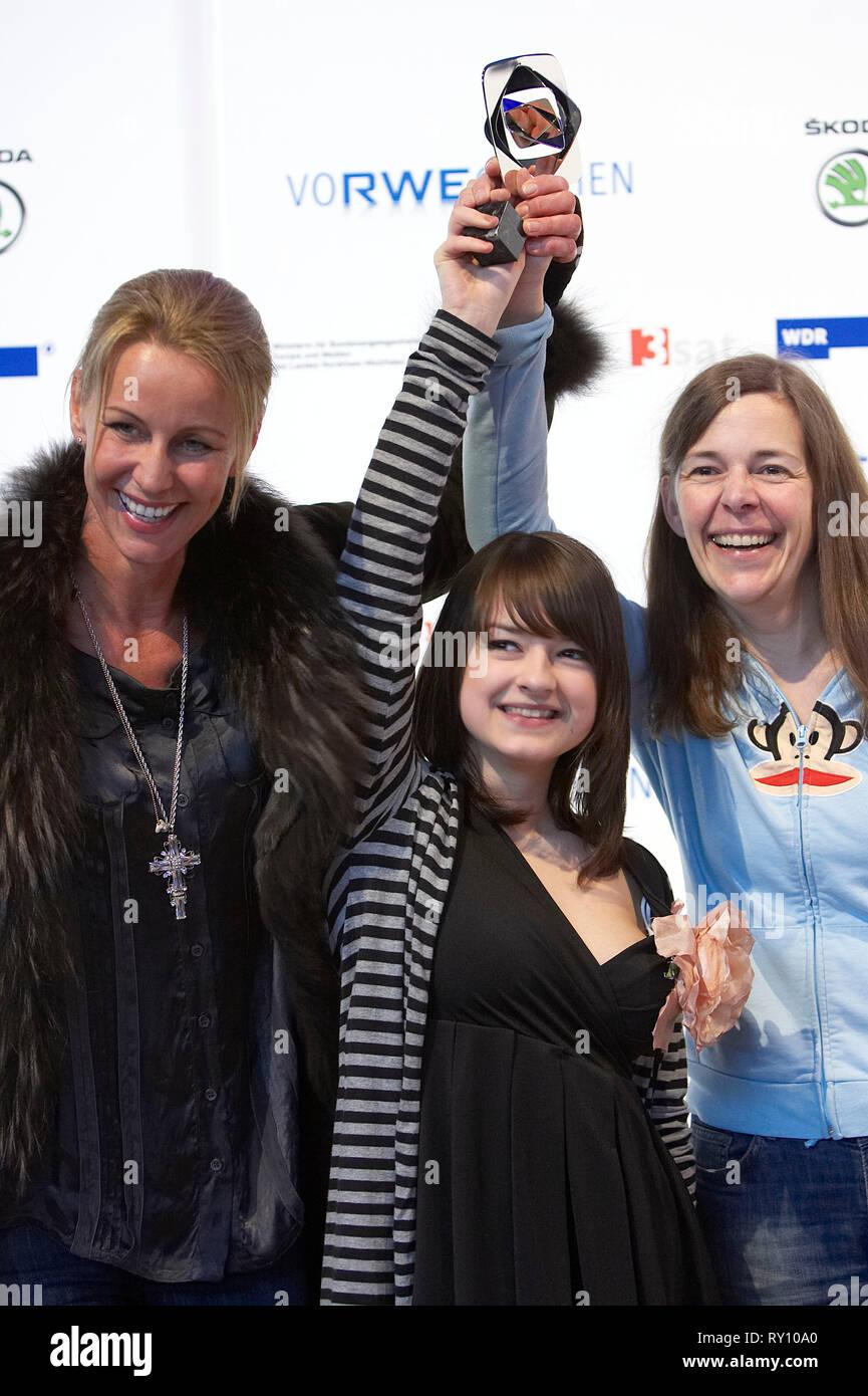 Deutschland, Marl, 01.04.2011: Das Team von KEINE ANGST mit Aelrun Goette (Regie), Michelle Barthel (Darstellerin), Martina Mouchot Buch(v.l.n.r., Deu - Stock Image