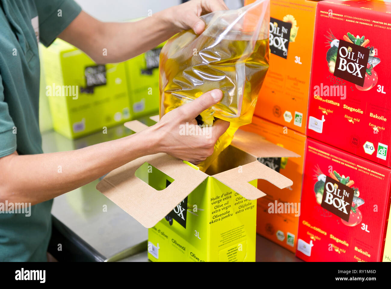 Production of ' Bio Planete ' organic oil, oil factory ' Moog ' in Bram (south of France). Packaging - Stock Image