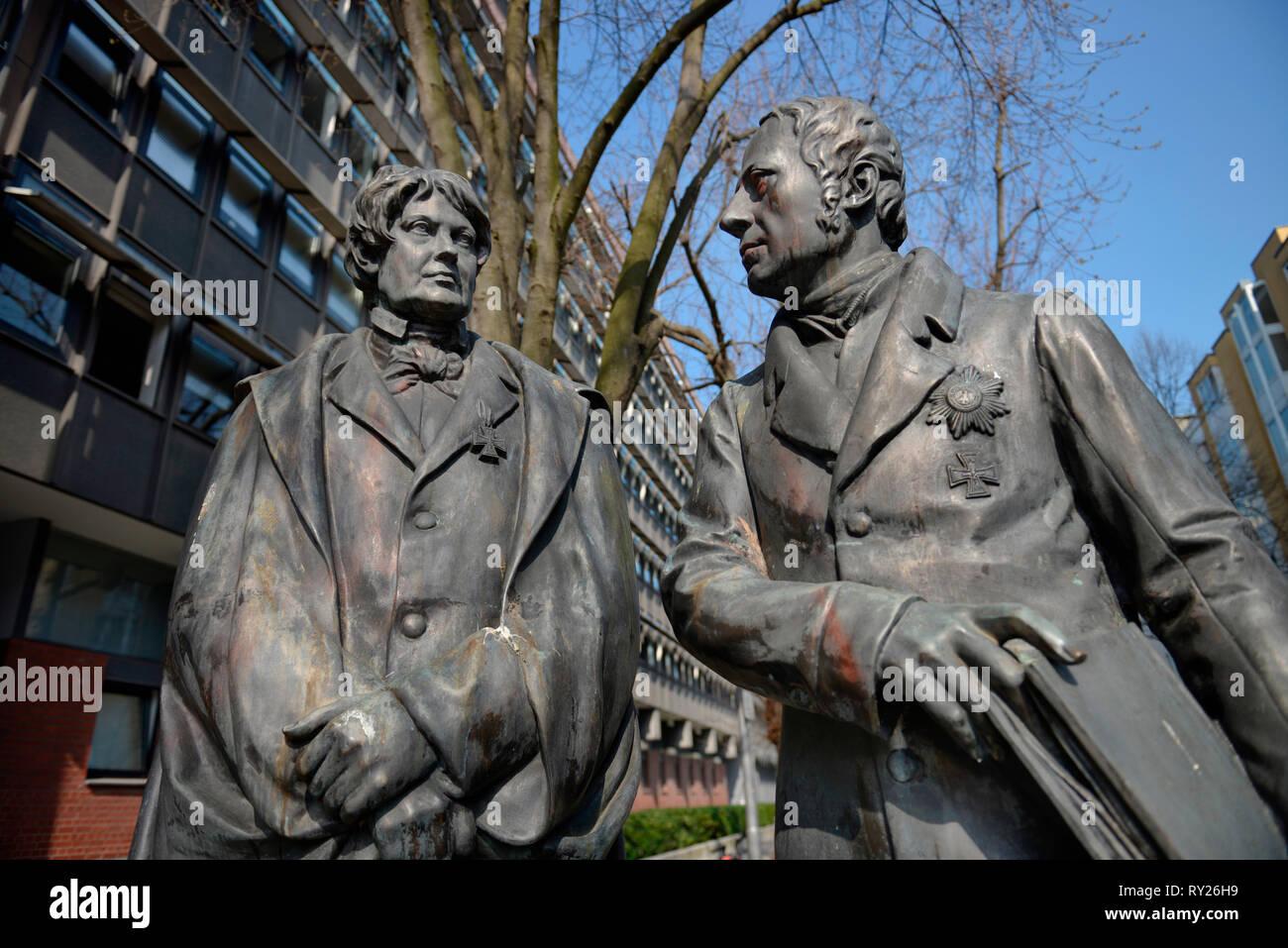 Standbilder Christian Peter Wilhelm Friedrich Beuth und Wilhelm von Humboldt, DIN, Burggrafenstrasse, Tiergarten, Mitte, Berlin, Deutschland - Stock Image