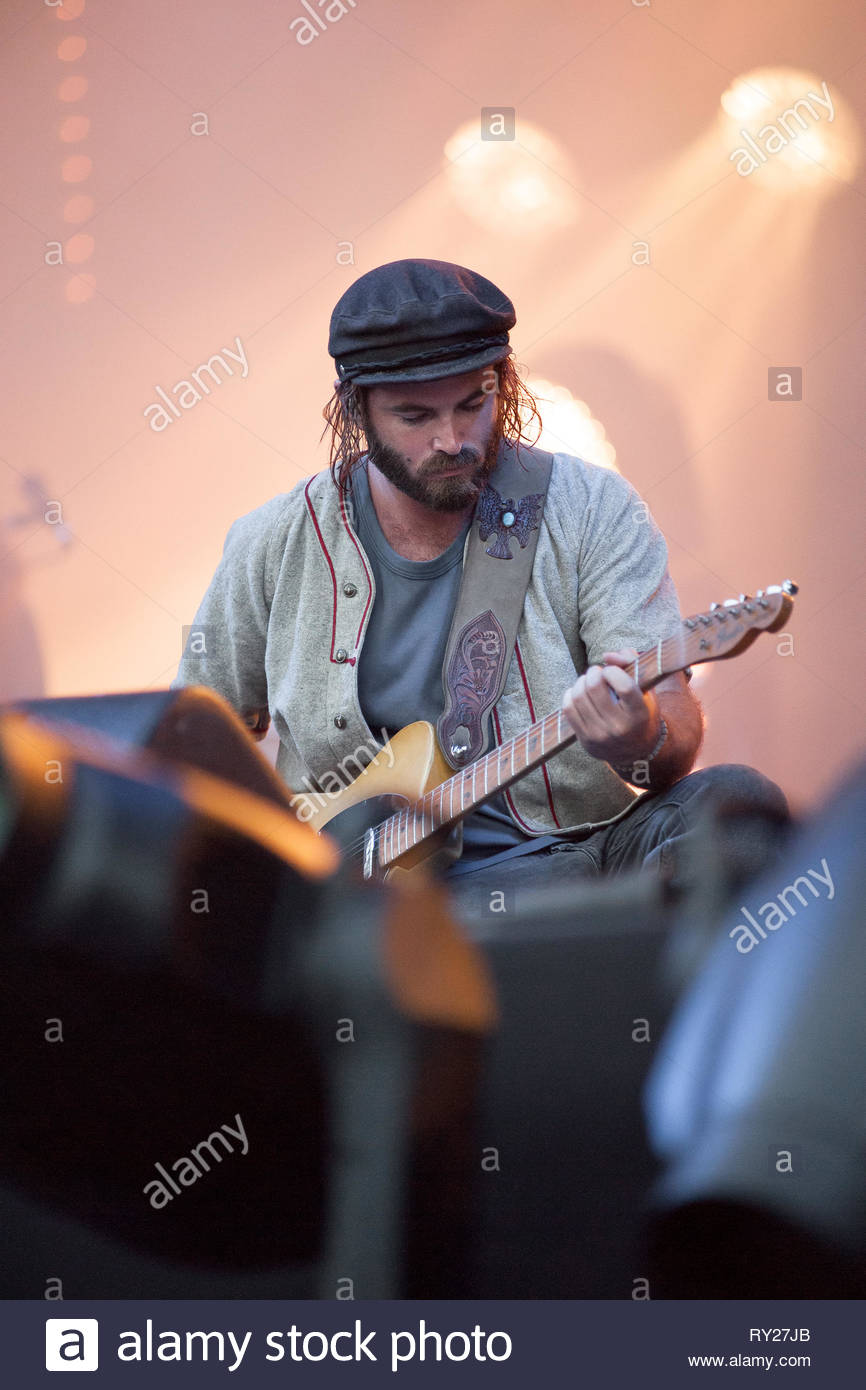 ANGUS & JULIA STONE performing live, 11 july 2015 Stock Photo