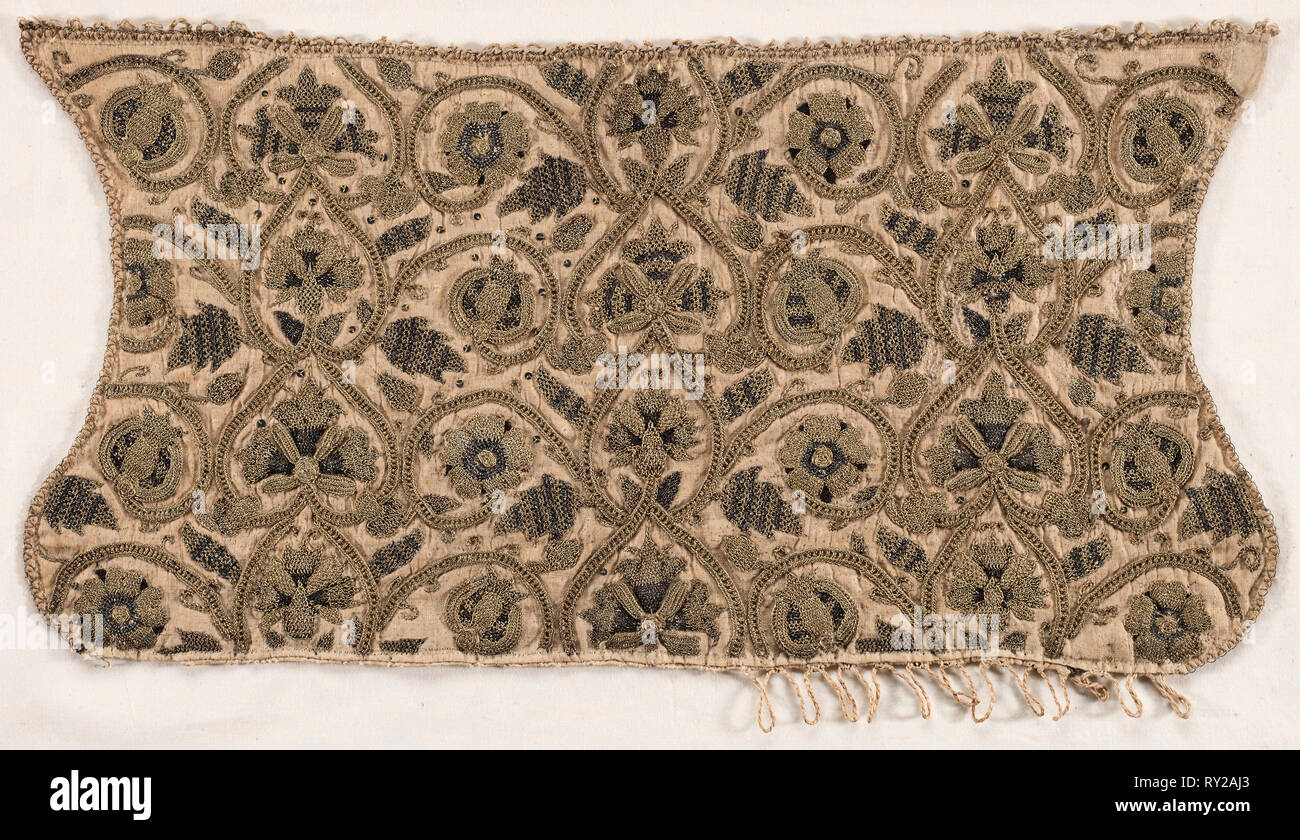 Coif, late 1500s. England, Elizabethan Period, late 16th century. Silk, gold and silver thread, sequins, padding, linen; embroidery; overall: 21 x 42.2 cm (8 1/4 x 16 5/8 in - Stock Image