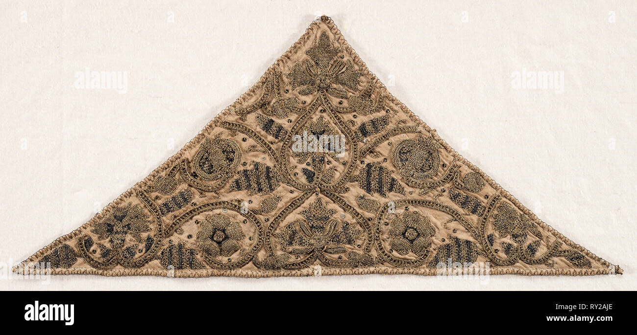 Forehead Cloth, late 1500s. England, Elizabethan Period, late 16th century. Silk, gold and silver thread, sequins, padding, linen; embroidery; overall: 16.8 x 38.7 cm (6 5/8 x 15 1/4 in - Stock Image