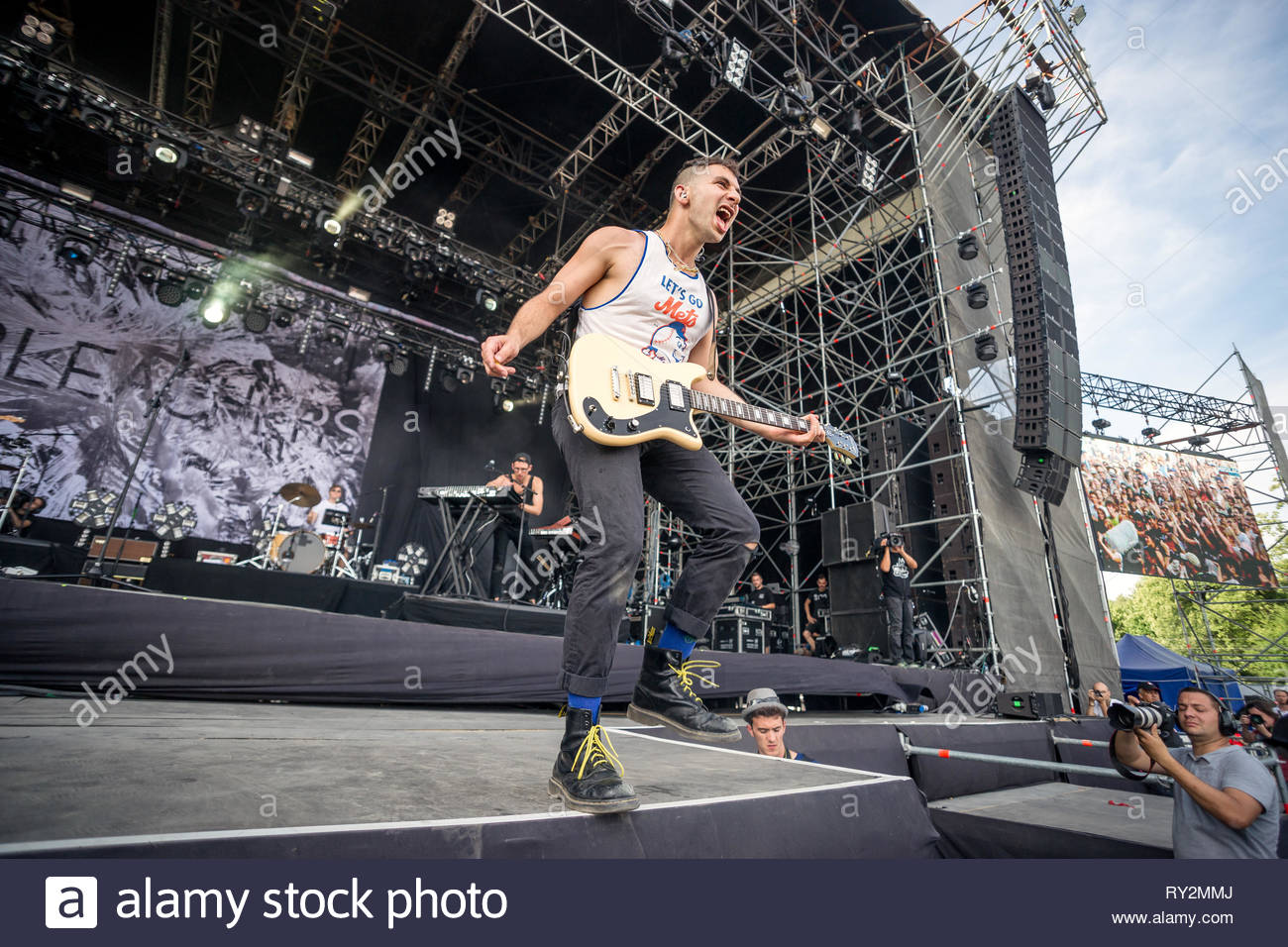 BLEACHERS performing live, 12 juillet 2015 Stock Photo