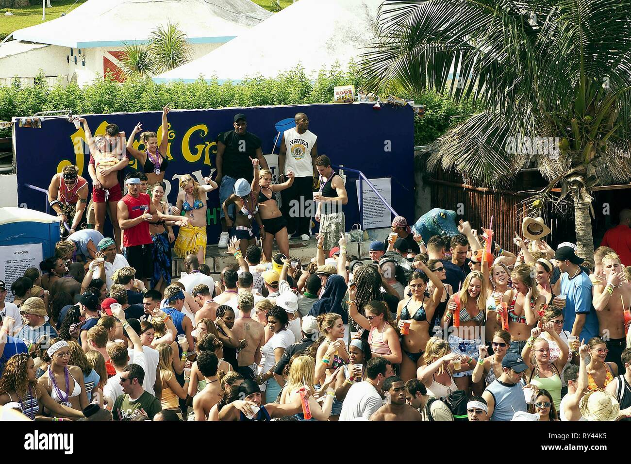 MARDI GRAS THEMED PARTY, THE REAL CANCUN, 2003 - Stock Image
