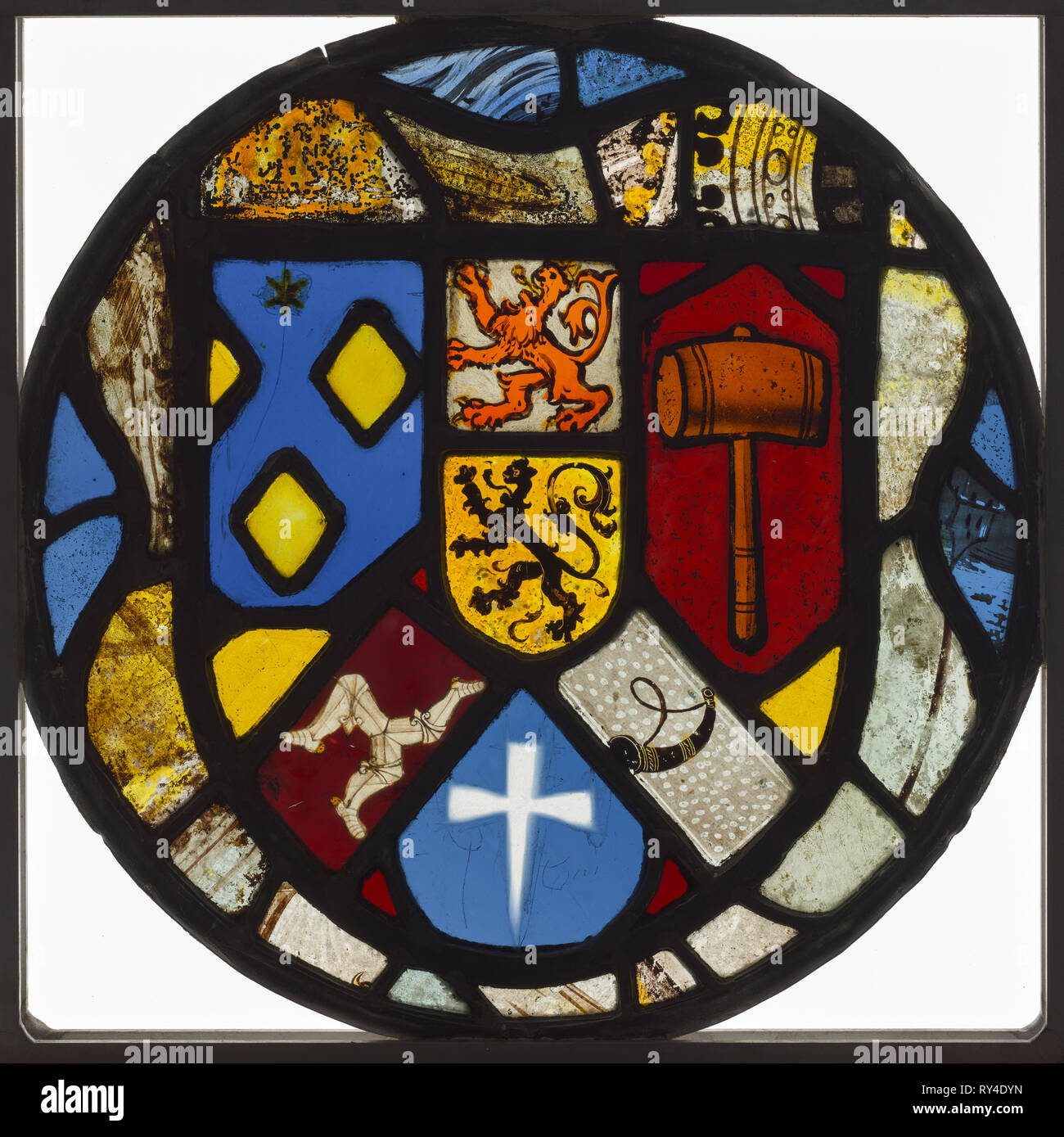 Heraldic Roundel, 1500s. England, 16th century. Pot-metal and white glass, silver stain; diameter: 27.7 cm (10 7/8 in - Stock Image
