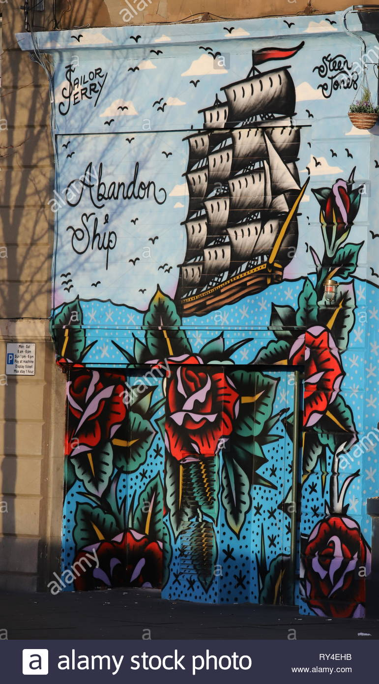 Exterior of Abandon Ship bar mural painted by Steen Jones on Dock Street Dundee Scotland  March 2019 Stock Photo