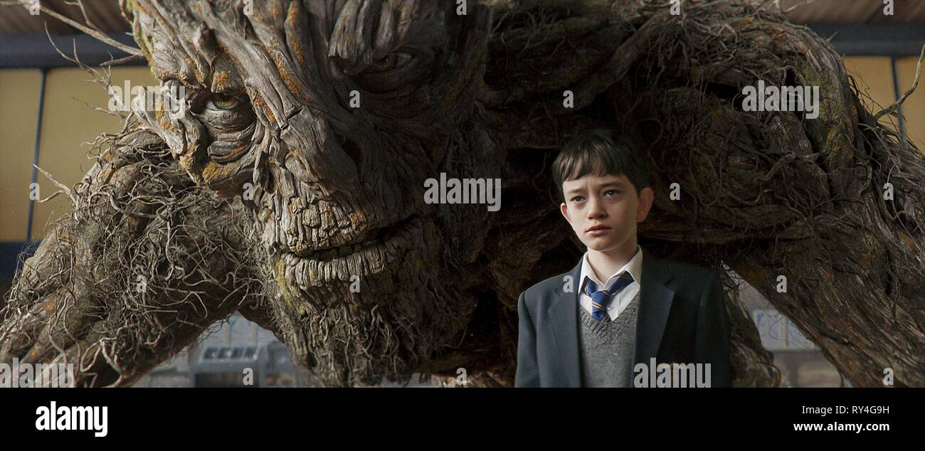LEWIS MACDOUGALL, A MONSTER CALLS, 2016 - Stock Image
