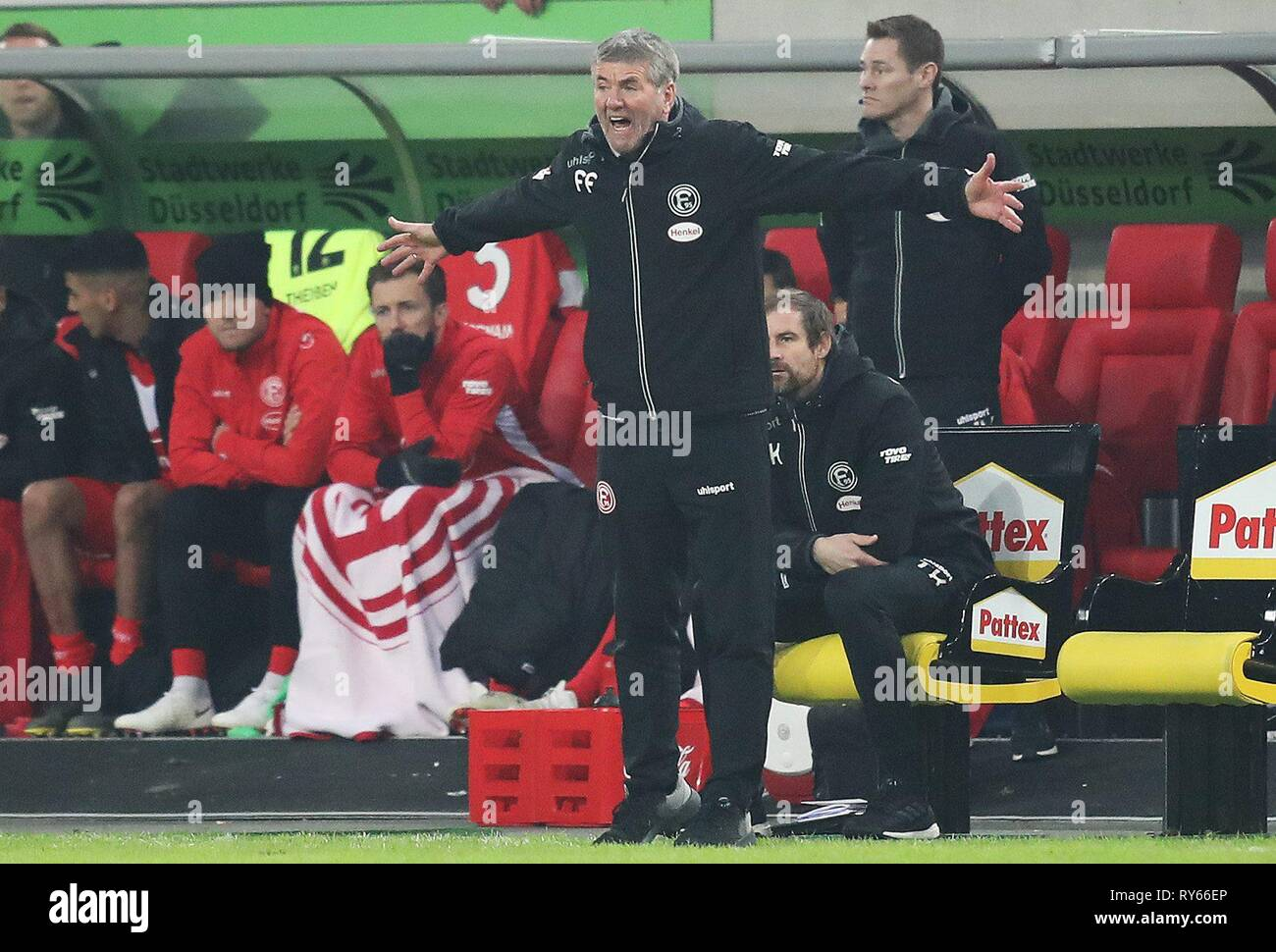 firo: 11.03.2019, Football, 2018/2019, 1.Bundesliga Fortuna Dusseldorf Dusseldorf - Eintracht Frankfurt 0: 3 gesture, coach Friedhelm Sparks   usage worldwide - Stock Image