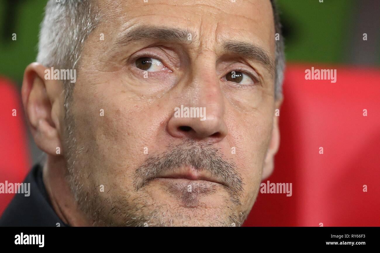 firo: 11.03.2019, Football, 2018/2019, 1.Bundesliga Fortuna Dusseldorf Dusseldorf - Eintracht Frankfurt 0: 3 Portrait, coach, Adi Hutter   usage worldwide - Stock Image
