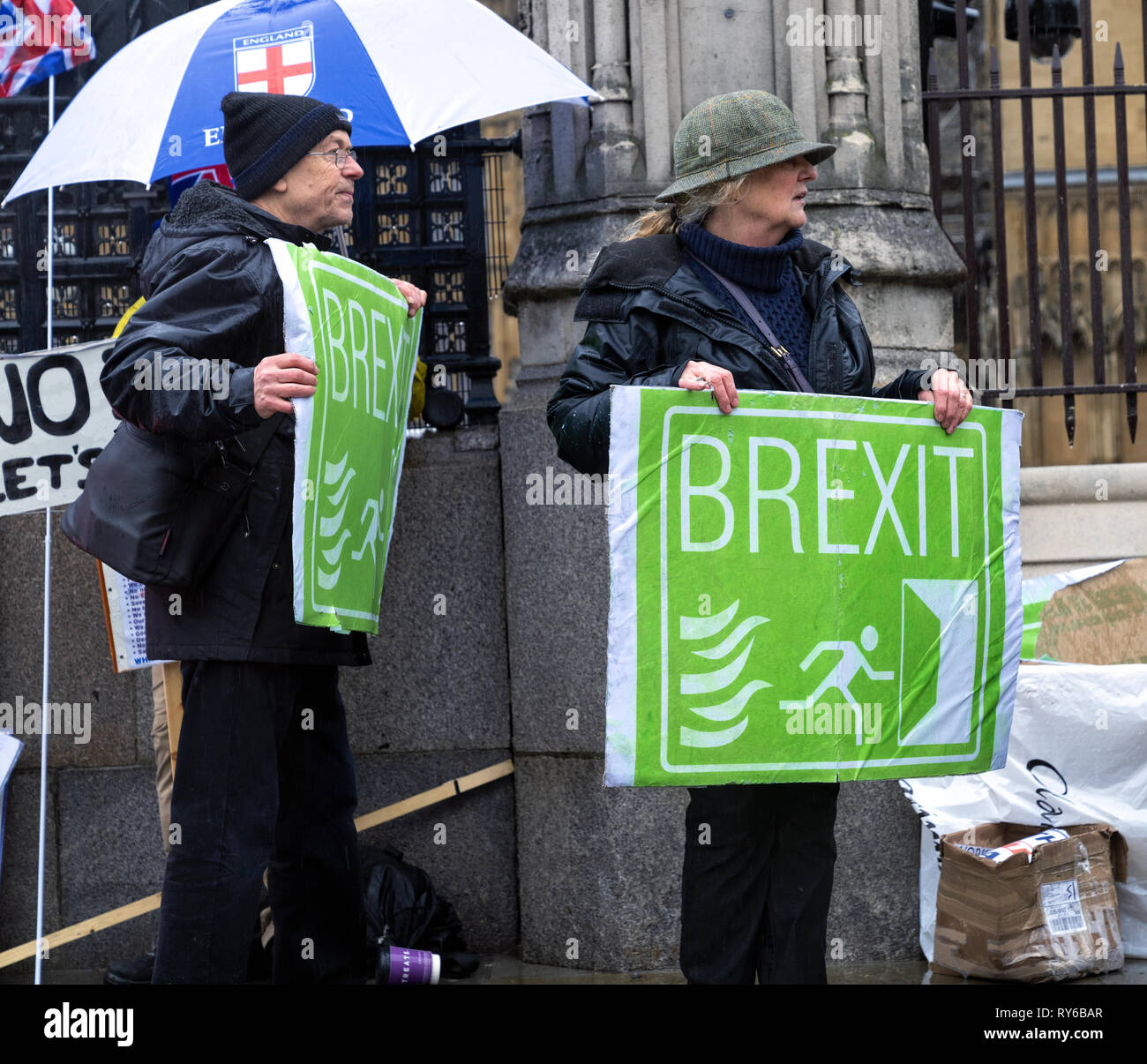 London, UK. 12th Mar, 2019. Pro - Brexit leave the European Union supporter protesting outside the Houses of Parliament. Credit: AndKa/Alamy Live News Stock Photo