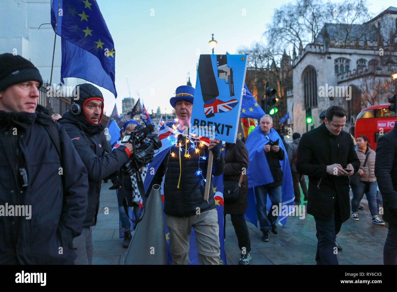 London, UK. 12th Mar, 2019. Pro Brexit and Pro Remain groups around Parliament Sq and Westminster as politicians vote on the UK's withdrawal from the European Union. Penelope Barritt/Alamy Live News Stock Photo