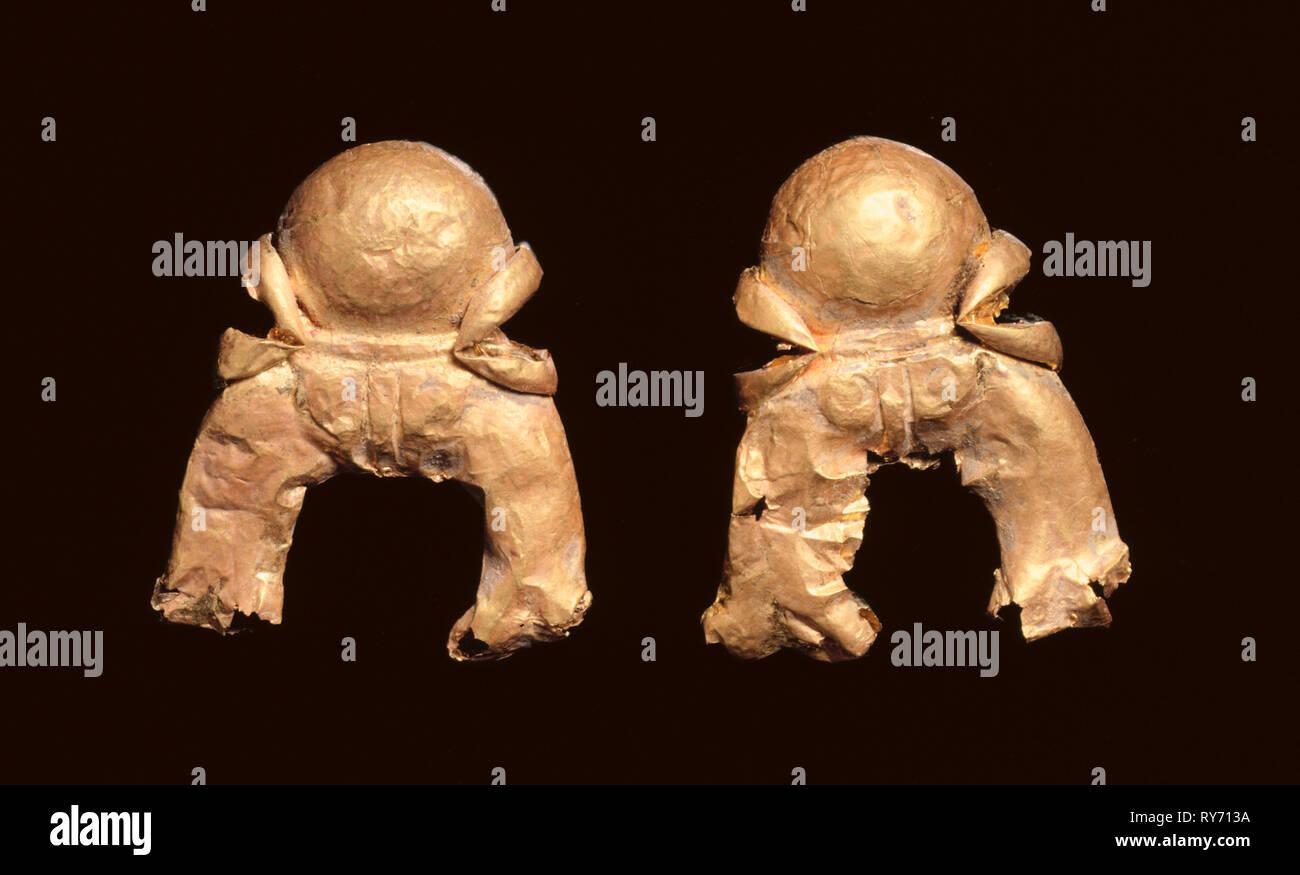 Pair of Pendants in the Shape of an Auspicious Symbol, 185-72 BC. India, Shunga Period (c. 187-78 BC). Gold - Stock Image