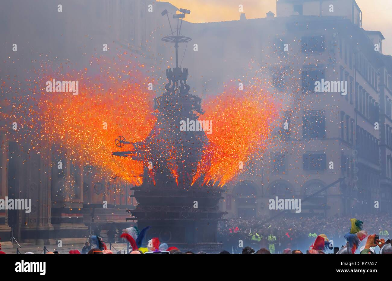 Fire works, Explosion of the Cart, Piazza del Duomo, Scoppio del Carro or Explosion of the Cart festival, Florence, Tuscany - Stock Image