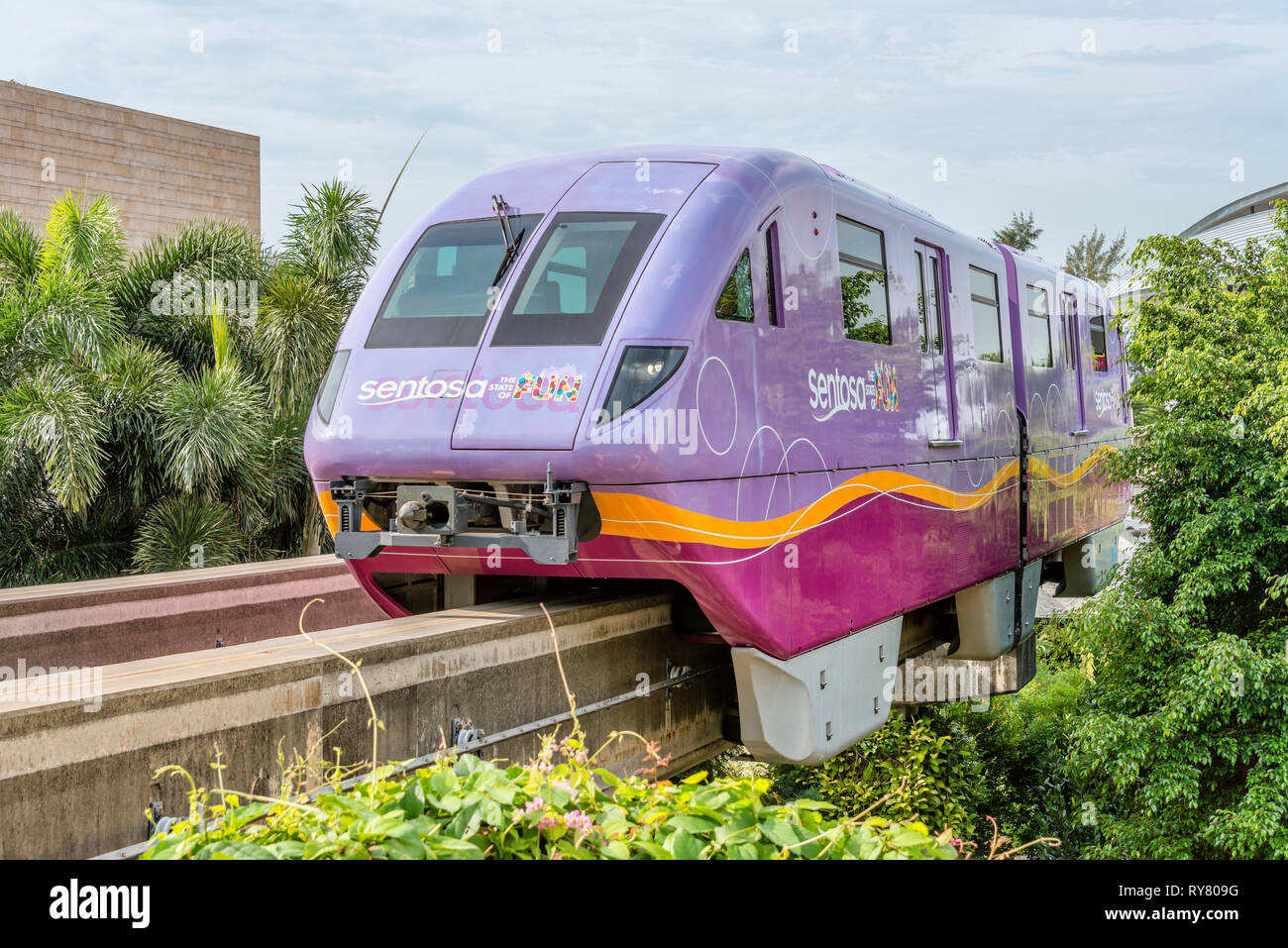 Sentosa Express Island Monorail train, Singapore |  Sentosa Express Island Monorail Zug, Singapur - Stock Image