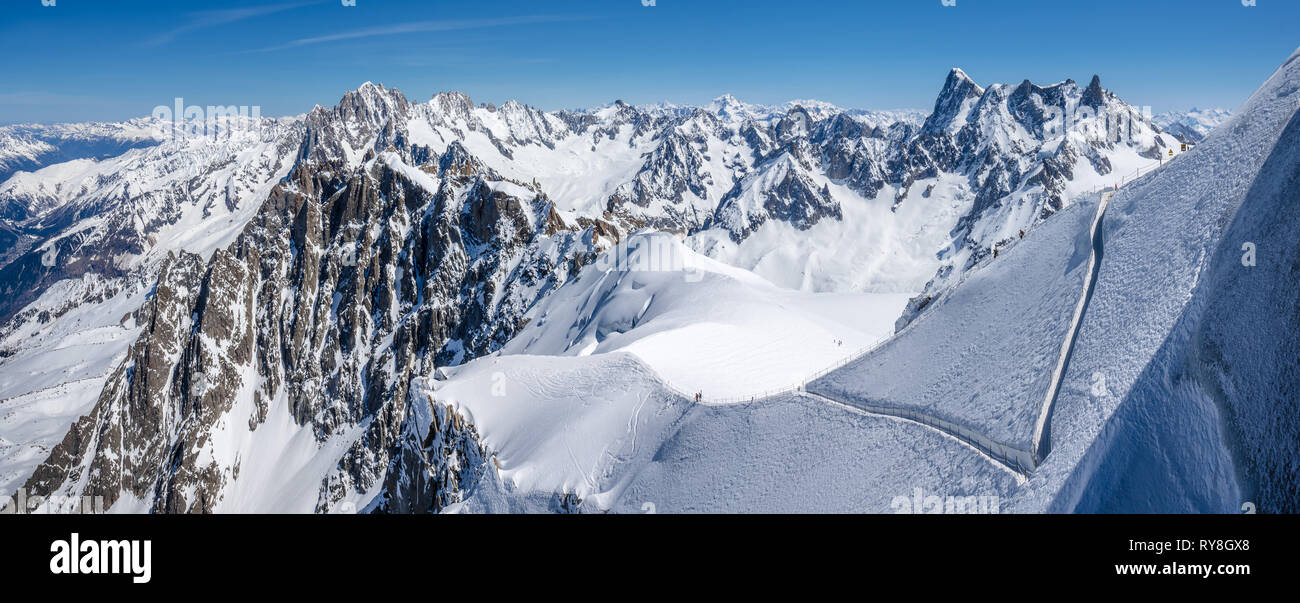 Mont-Blanc Mountain Range, Chamonix, Hautes-Savoie, Alps, France: Winter View from Aiguille du Midi near the Vallee Blanche ski resort - Stock Image