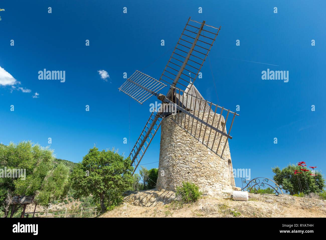 Windmuehle in Frankreich, 27.08.2018 Bildnachweis: Mario Hommes / HH-Photography - Stock Image