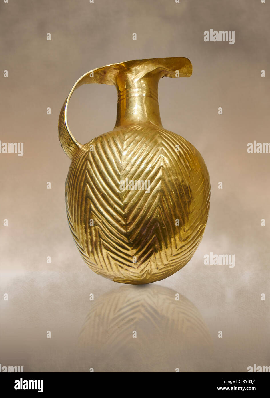 Bronze Age Hattian gold flask from a possible Bronze Age Royal grave (2500 BC to 2250 BC) - Alacahoyuk - Museum of Anatolian Civilisations, Ankara, Tu - Stock Image