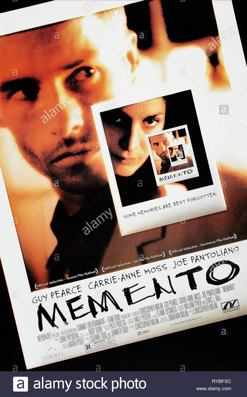 GUY PEARCE, CARRIE-ANNE MOSS POSTER, MEMENTO, 2000 - Stock Image
