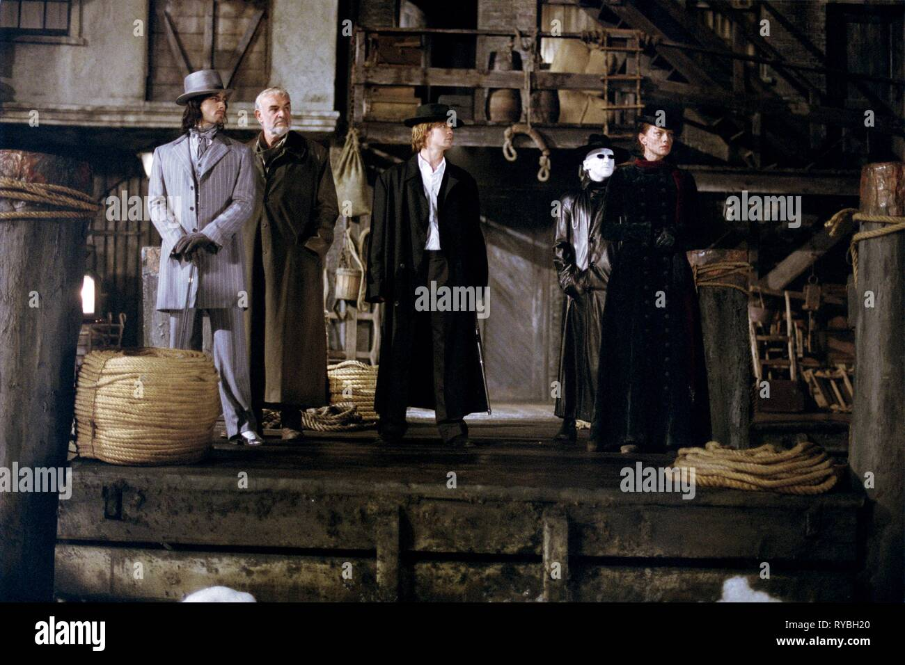 STUART TOWNSEND, SEAN CONNERY, SHANE WEST, TONY CURRAN,PETA WILSON, THE LEAGUE OF EXTRAORDINARY GENTLEMEN, 2003 Stock Photo