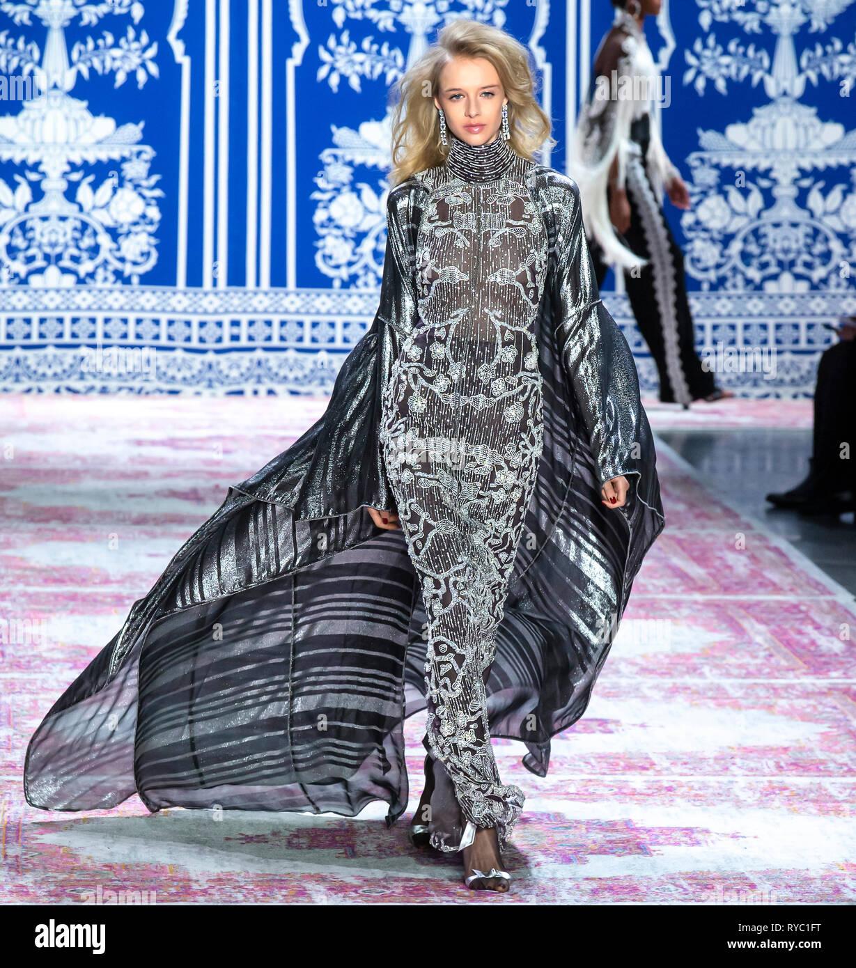 New York, New York - February 12 2019: Nina Dapper walks the runway at Naeem Khan Fall Winter 2019 Fashion Show - Stock Image