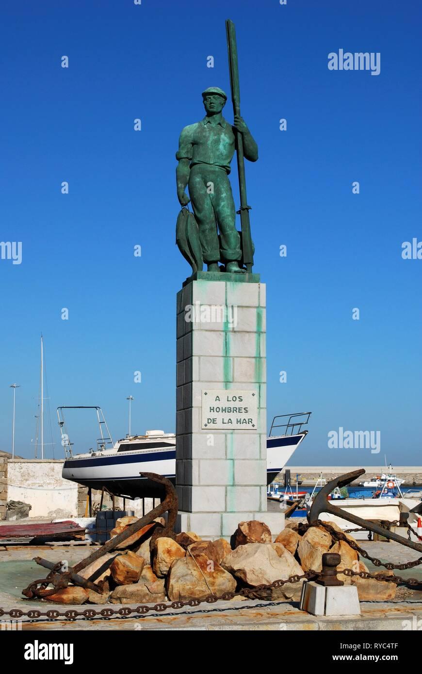View of the fisherman statue in the port (A Los Hombres de la Mar), Tarifa, Cadiz Province, Andalusia, Spain, Europe. - Stock Image