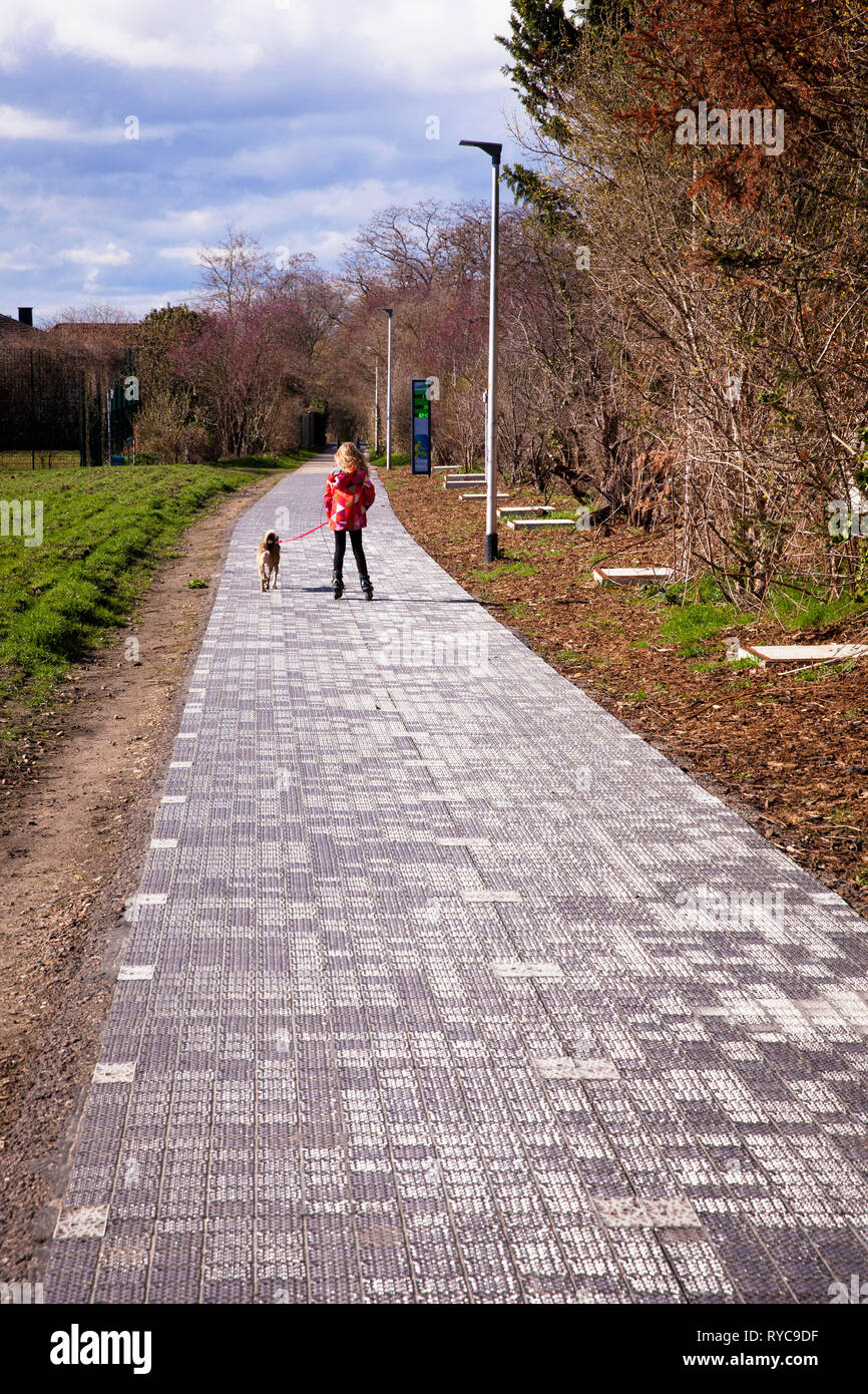 the first solar energy cycle path in Germany in Erftstadt-Liblar near Cologne, 90 meter long test track of the company Solmove.  der erste Solarenergi - Stock Image