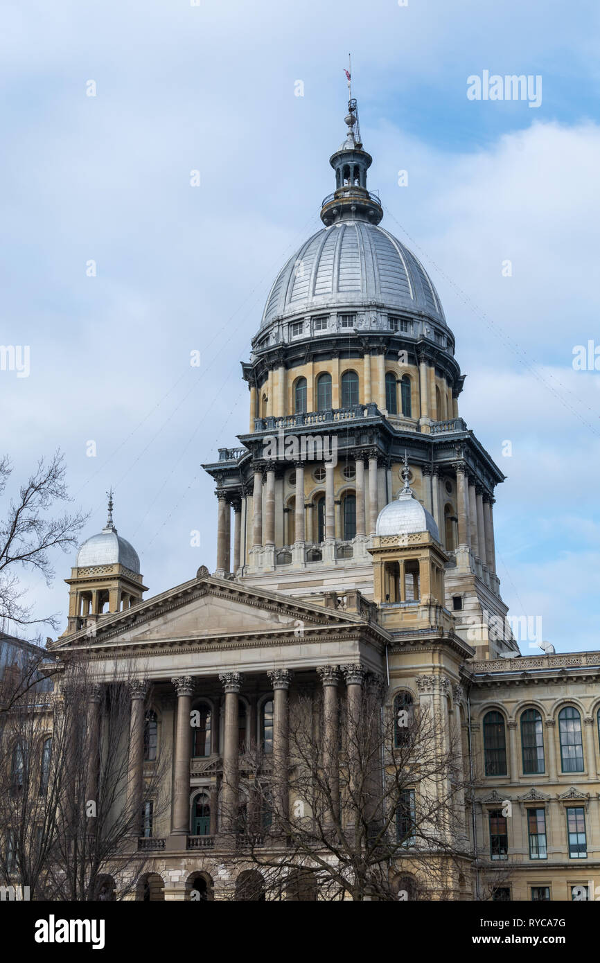 Morning light on the state capitol building in Springfield, Illinois. - Stock Image