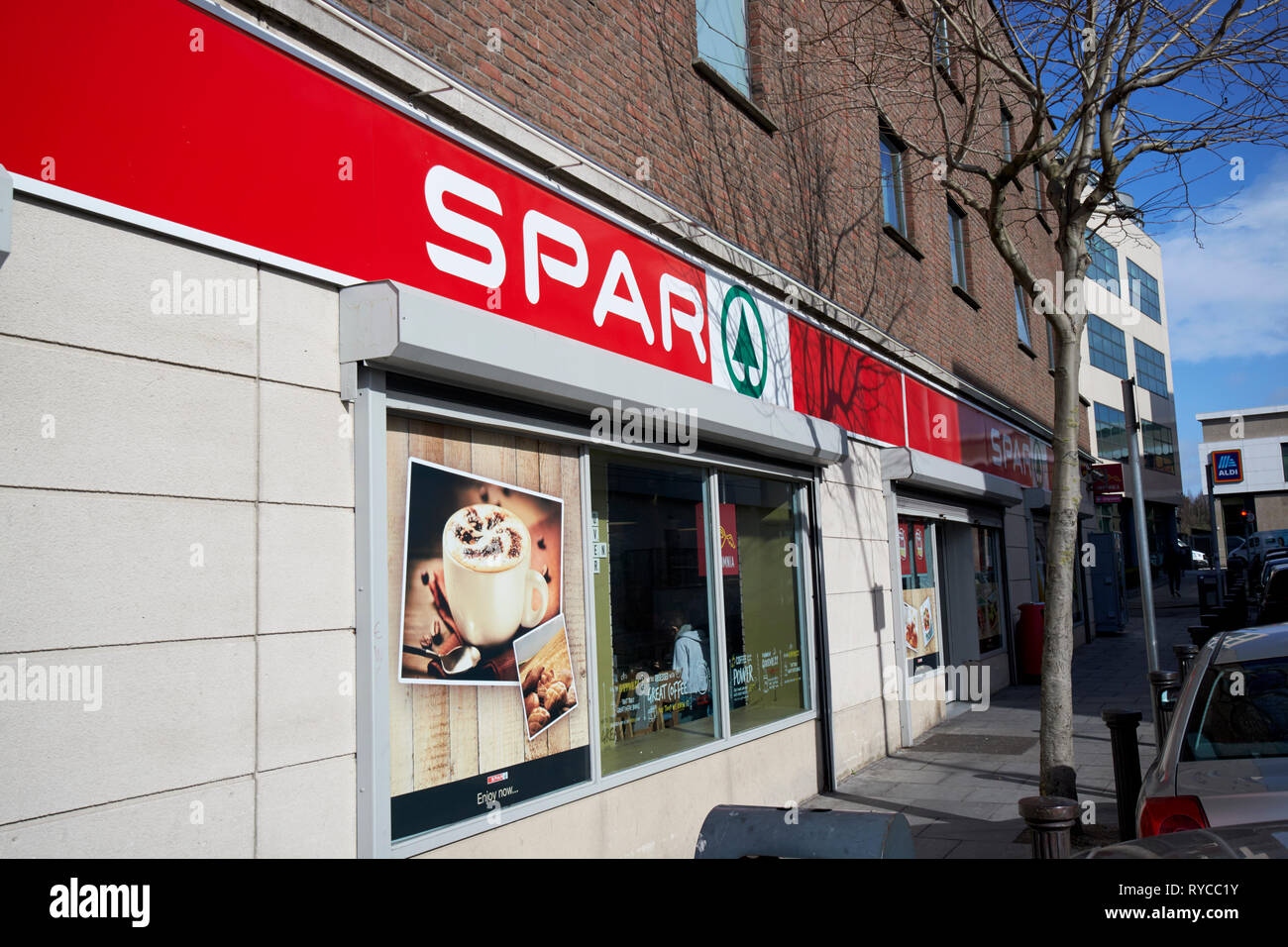 4e3f92d86 Convenience Shop Stock Photos & Convenience Shop Stock Images - Alamy