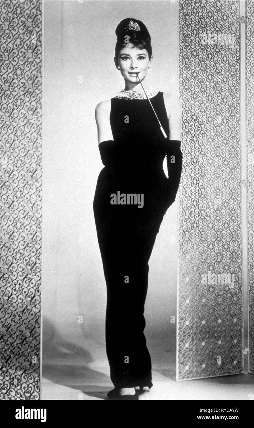 AUDREY HEPBURN, BREAKFAST AT TIFFANY'S, 1961 - Stock Image