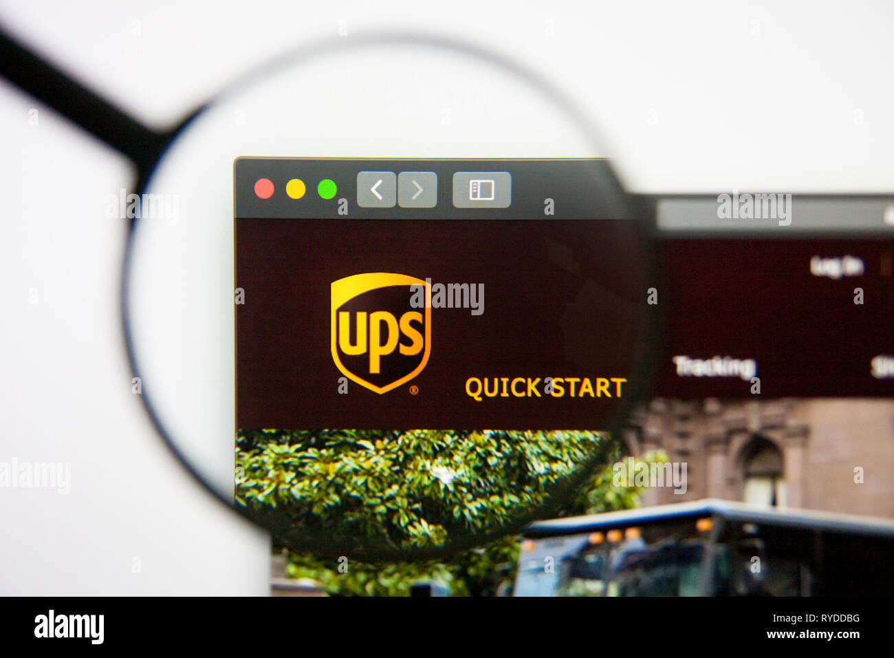 Ups Logo Stock Photos & Ups Logo Stock Images - Alamy