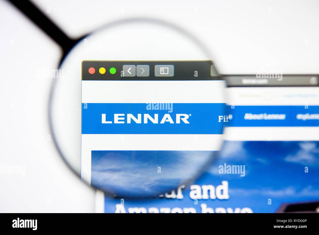 Los Angeles, California, USA - 5 March 2019: Lennar website homepage. Lennar logo visible on display screen, Illustrative Editorial - Stock Image