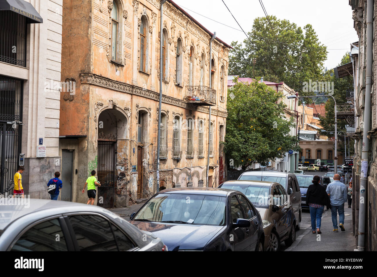 TBILISI, GEORGIA - SEPTEMBER 22, 2018: Old mansion with stucco decorations in the old town, Sololaki district, Pavle Ingorokva street Stock Photo