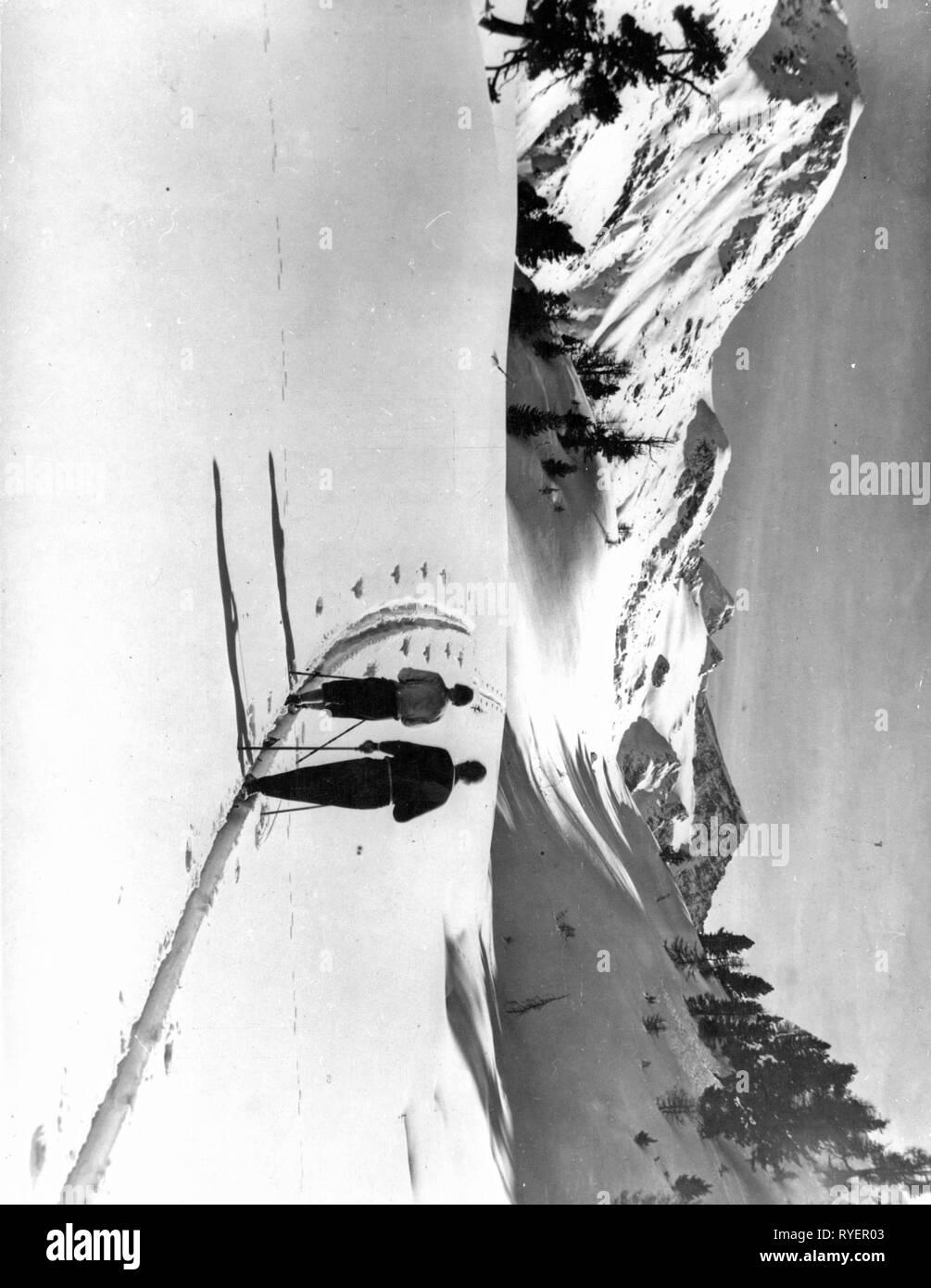 Sports Winter Sports Ski Tour On Piz Rosatsch Near Saint Moritz Switzerland 1920s Additional Rights Clearance Info Not Available Stock Photo Alamy