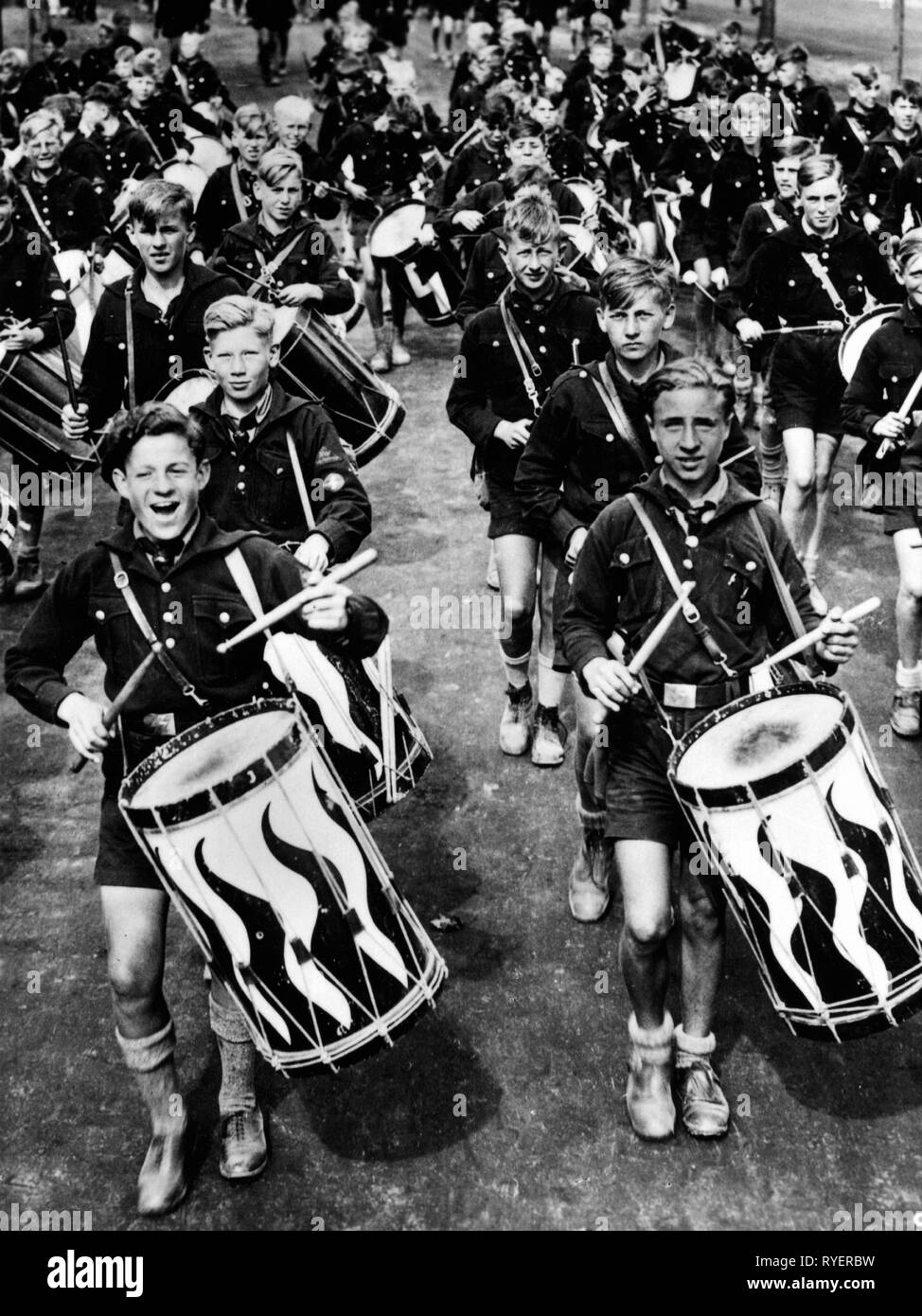 National Socialism, Nuremberg Rally, 'Reichsparteitag der Freiheit', Nuremberg 10.9.1935-16.9.1935, troop of drummers of the Jungvolk (German Youngsters in the Hitler Youth), Additional-Rights-Clearance-Info-Not-Available - Stock Image