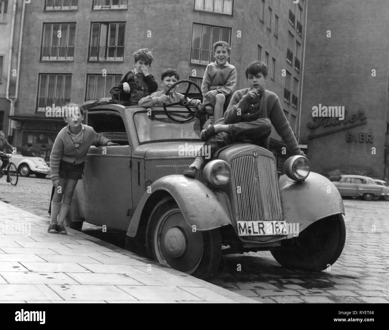 Old 1950s car black and white stock photos images alamy