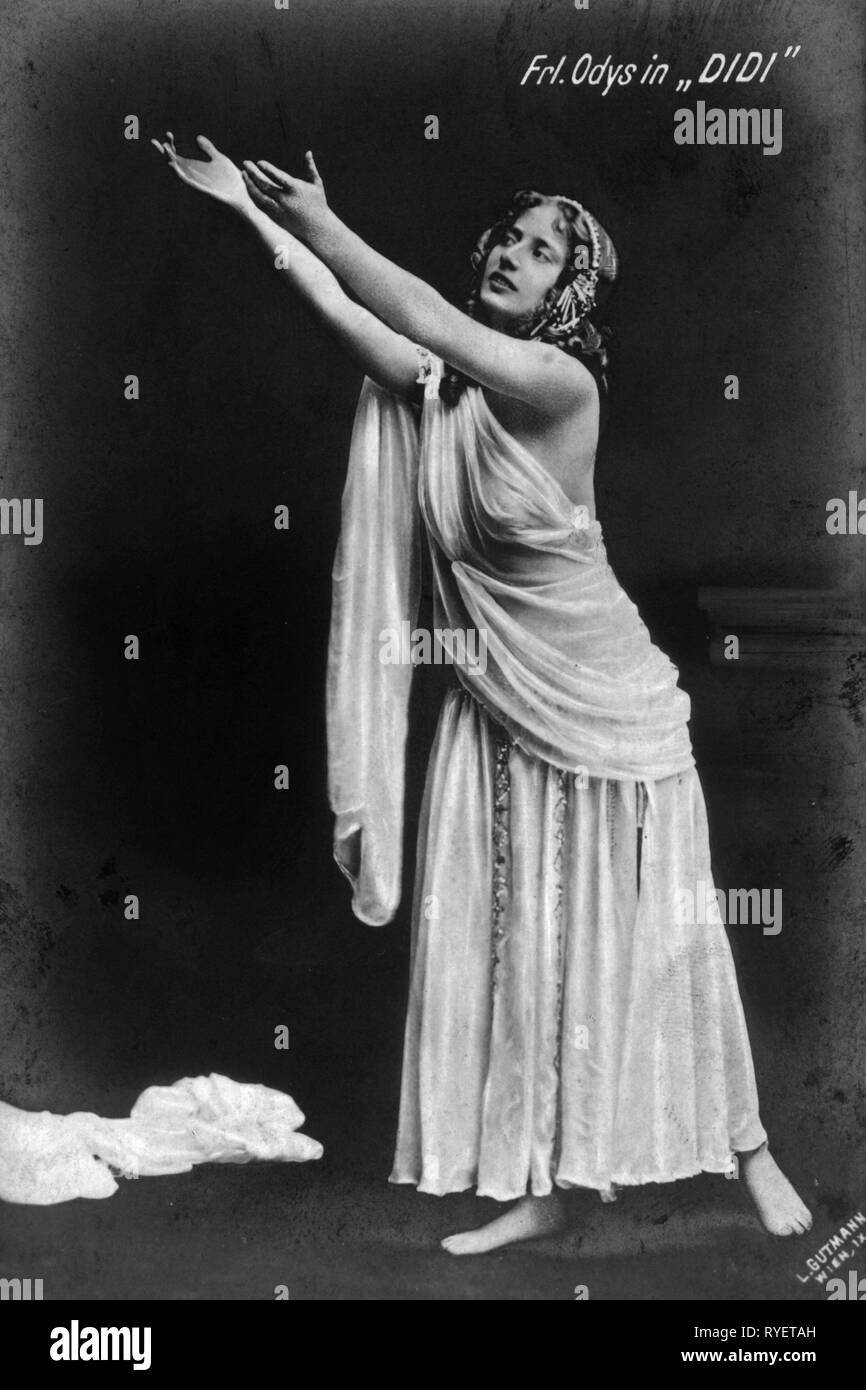 theatre / theater, turn of the century, Odys, birth name: Auguste 'Gusti' Erler, in: 'Didi', picture postcard, Vienna, 1909, Additional-Rights-Clearance-Info-Not-Available - Stock Image