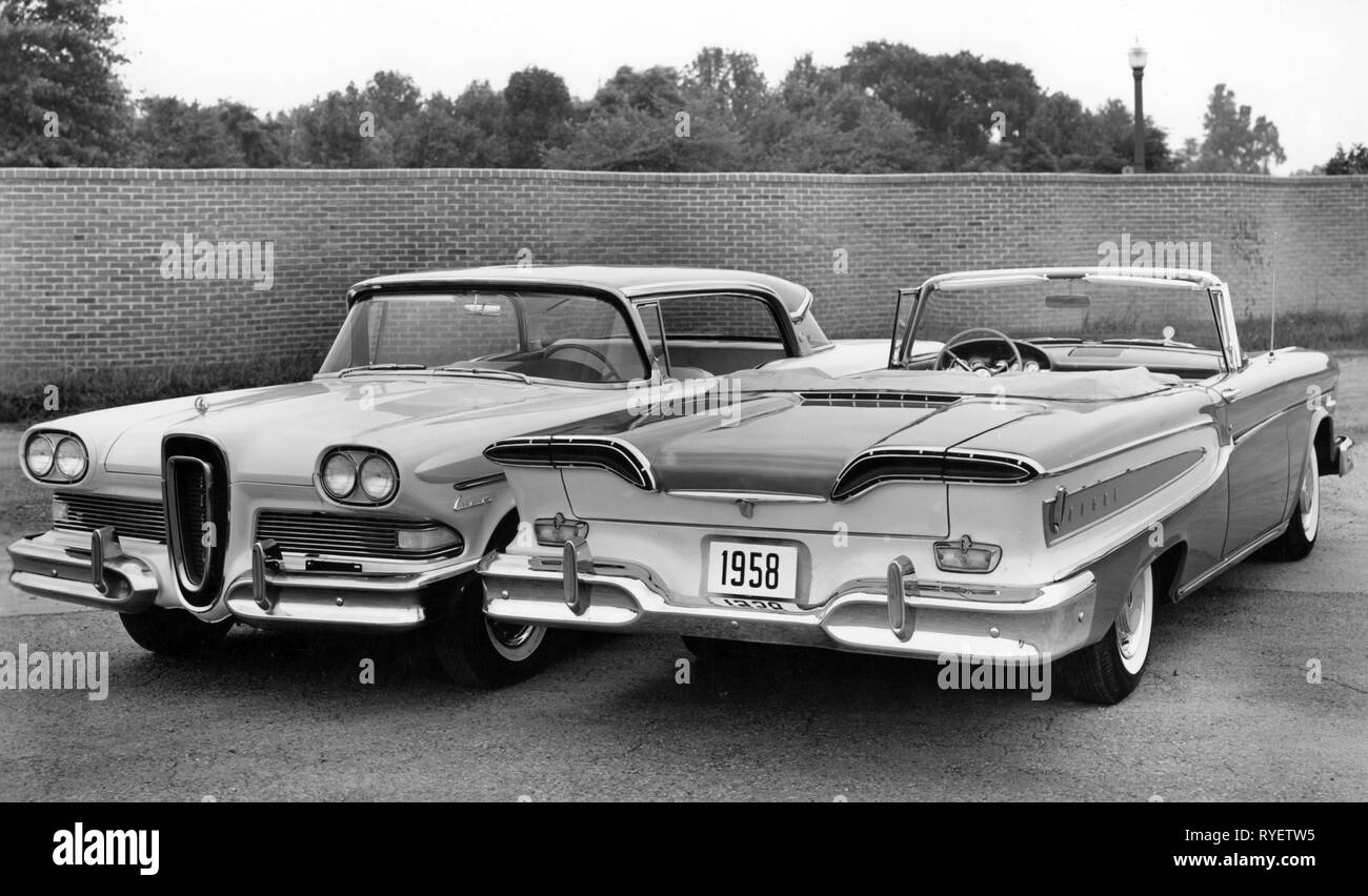 transport / transportation, cars, vehicle variants, Ford Edsel Ranger 1958, coupe and convertible, view from behind and ahead, USA, 1957, design from Roy Brown jr., coupe, side by side, status symbol, status symbols, motor car, auto, automobile, passenger car, motorcar, motorcars, autos, automobiles, passenger cars, vehicle, vehicles, open, closed, two-door, two-door model, upper middle class, 1950s, 50s, 20th century, transport, transportation, cars, car, convertible, cabriolet, convertibles, cabriolets, view, views, USA, United States of Americ, Additional-Rights-Clearance-Info-Not-Available - Stock Image