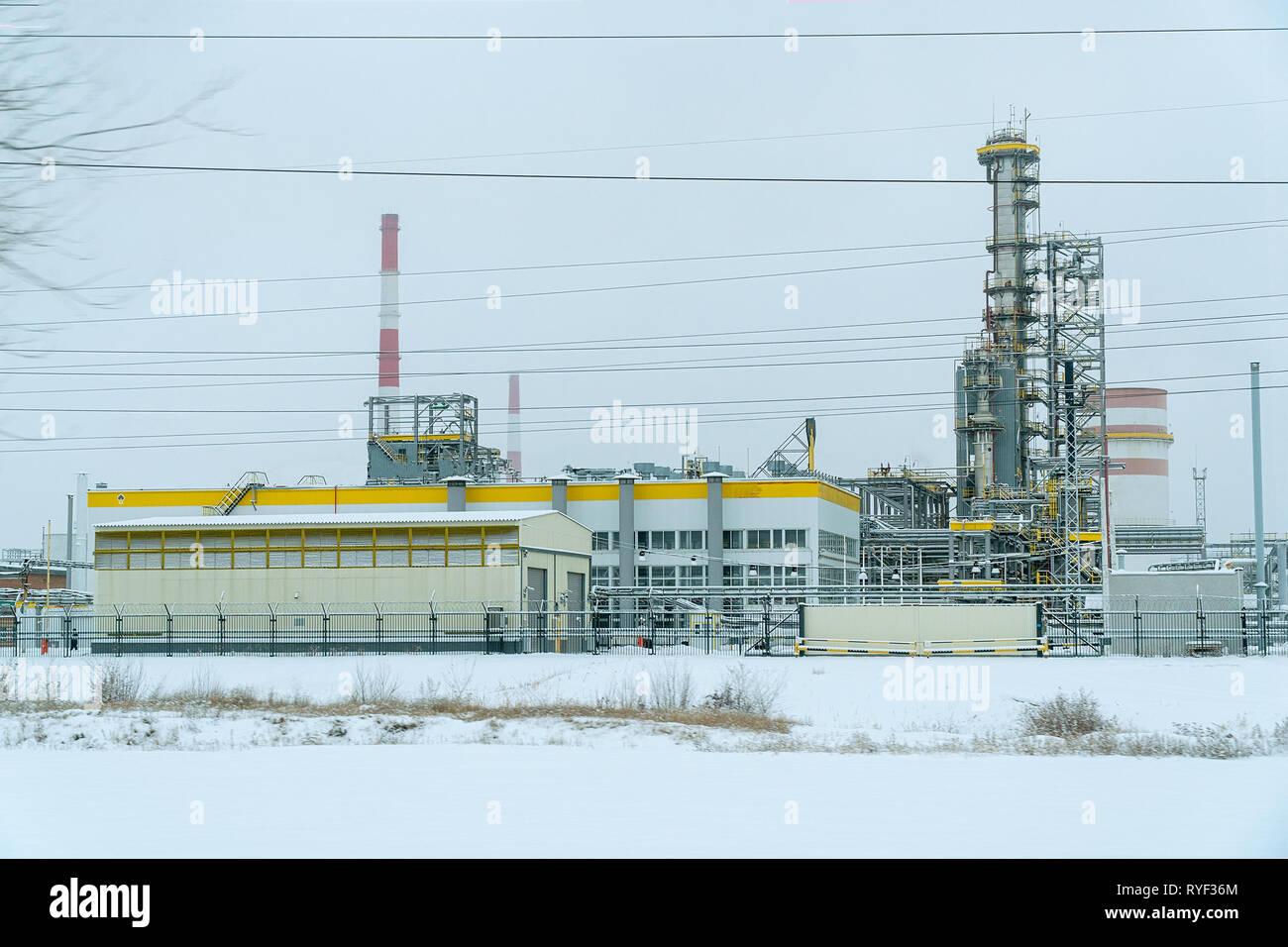 Refinery Pipeline Stock Photos & Refinery Pipeline Stock